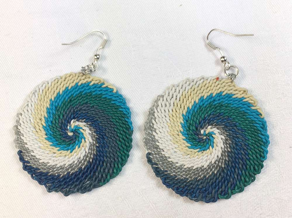 wire-earring, handwoven - TRUSTED CRAFT DESIGN